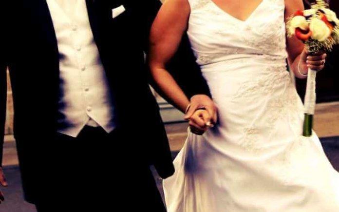 Hochzeitspaar Foto: Flickr / Robert Kintner (CC BY 2.0)