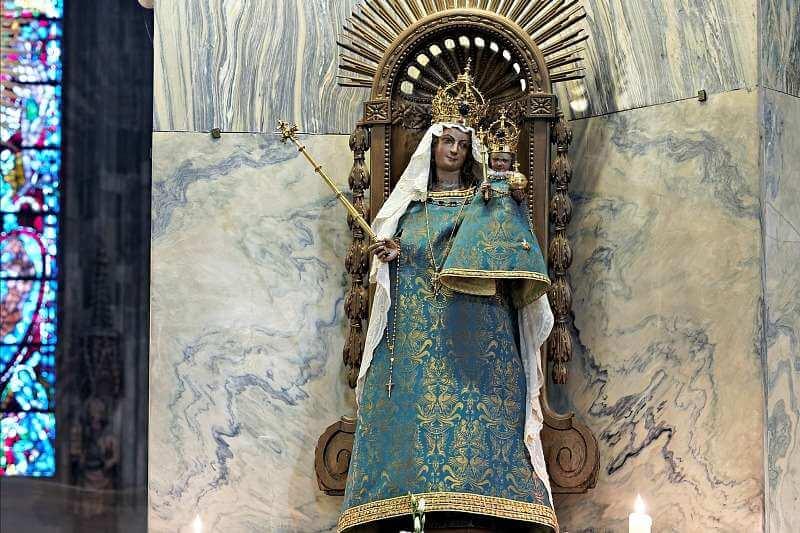 Die Marienfigur im Aachener Dom. Foto: Wikimedia / Arnoldius (CC BY-SA 4.0)