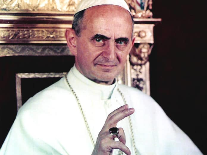Paul VI. – Vatican City (picture oficial of pope) [Public domain], via Wikimedia Commons