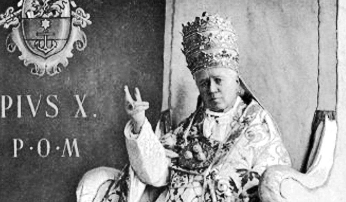 Pius X. Bild: By Giuseppe Felici (1839-1923) (souvenir card) [Public domain], via Wikimedia Commons