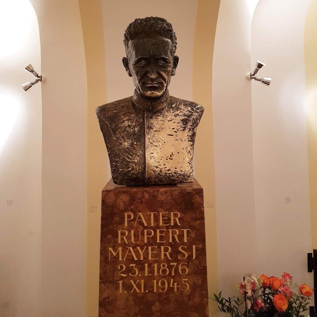 Rupert Mayer-Büste in der Bürgersaalkirche in München
