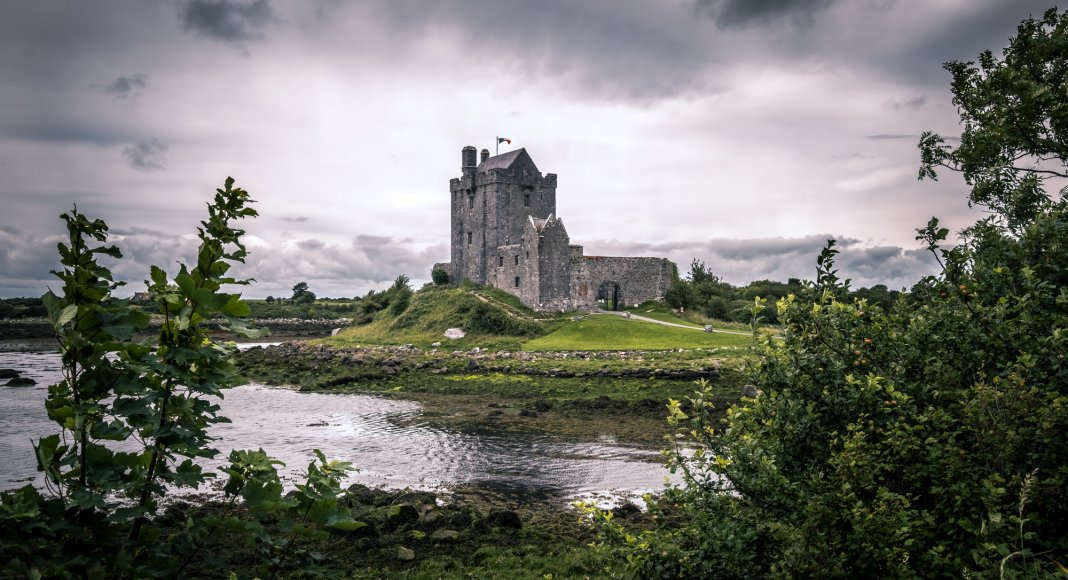 Dunguaire Castle - Kinvara, Ireland – Giuseppe Milo / flickr.com / Lizenz: CC BY 2.0 Check out my gallery at http://www.pixael.com/en/pictures if you want to see more pictures.You can follow me onhttps://www.facebook.com/giuseppemilophotohttps://twitter.com/pixael_comhttps://instagram.com/pixael/