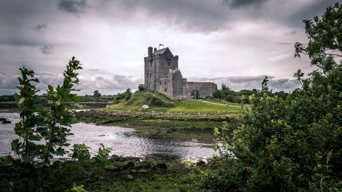 Dunguaire Castle - Kinvara, Ireland – Giuseppe Milo / flickr.com / Lizenz: CC BY 2.0 Check out my gallery at http://www.pixael.com/en/pictures if you want to see more pictures.