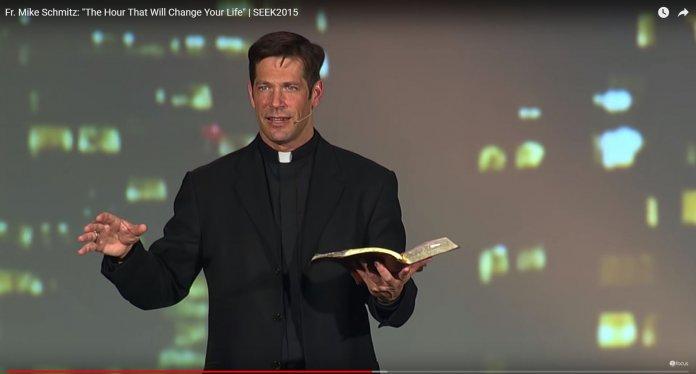 Fr. Mike Schmitz Bild: YouTube-Screenshot / Link: https://youtu.be/LwwiIkrLxTM