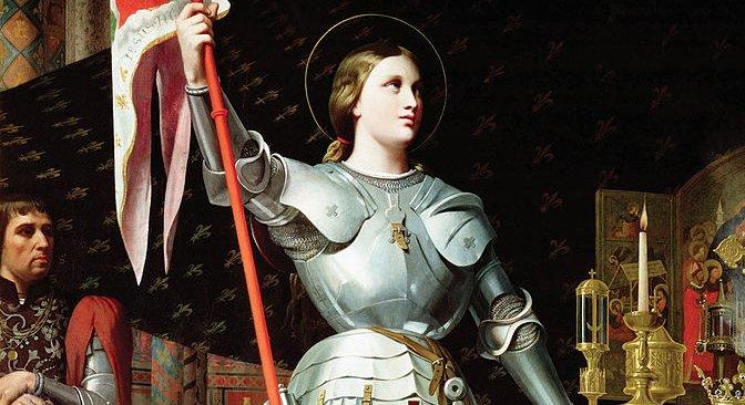 Jeanne d'Arc bei der Krönung Karls VII. (Historiengemälde von Dominique Ingres, 1854) – Von Jean-Auguste-Dominique Ingres - cartelfr.louvre.fr, Gemeinfrei, https://commons.wikimedia.org/w/index.php?curid=3876400