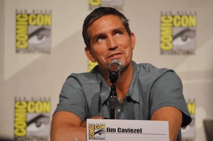 Jim Caviezel | Bild: Genevieve [CC BY 2.0 (https://creativecommons.org/licenses/by/2.0)]