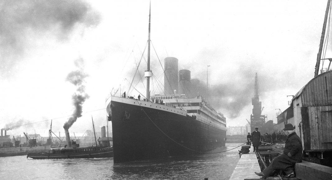 Die Titanic im Hafen von Southampton am 10. April 1912 | Bild: See page for author [Public domain]