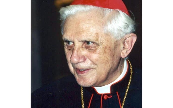 Josef Kardinal Ratzinger (2001)   Foto: Manfredo Ferrari, CC BY-SA 4.0 , via Wikimedia Commons