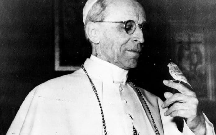 Papst Pius XII. | Brazilian National Archives, Public domain, via Wikimedia Commons