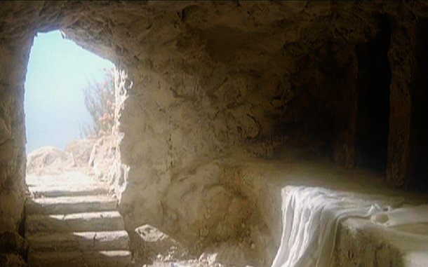 Das leere Grab | Bild: https://enduringword.com/just-like-he-said-he-would/empty-tomb/