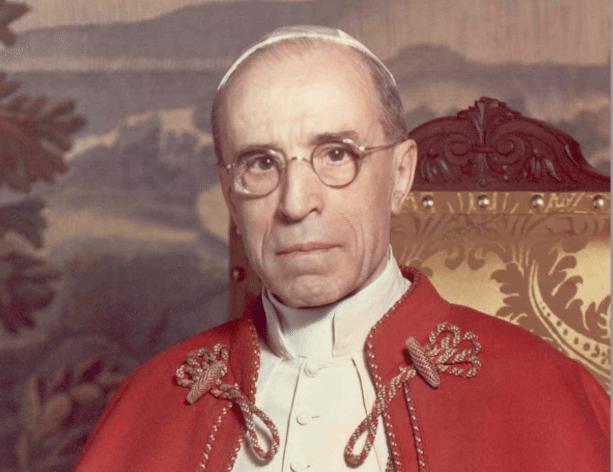 Pius XII. | Bild: Michael Pitcairn, Public domain, via Wikimedia Commons