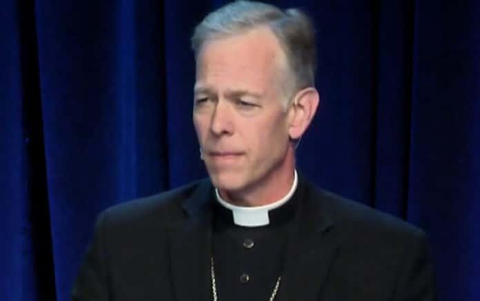 Erzbischof Alexander Sample   Bild: Steubenville Conferences, CC BY 3.0 , via Wikimedia Commons
