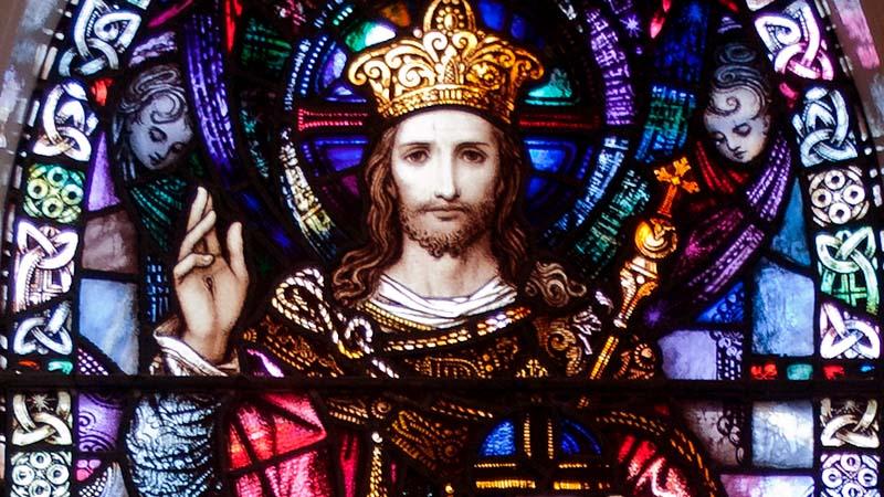 Glasfenster von Christus, dem König, Tipperary, Irland | Bild: Andreas F. Borchert, CC BY-SA 3.0 DE , via Wikimedia Commons